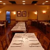 2名様から40名様まで可能なフロアー席、個室席を合わせると最大60席になります。立食パーティーでしたら最大65名様まで可能。[銀座/イタリアン/個室/パーティー/貸切/デート/記念日/バル/宴会/大人数/女子会]