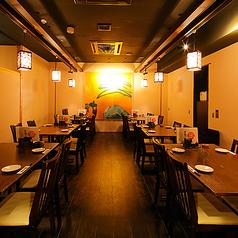 会社宴会にもオススメのテーブル席になります。広々としレイアウトも自由なので会社宴会の出し物などにも最適。
