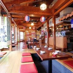 琉球酒場 くわち家の雰囲気1
