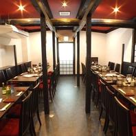 2階テーブル席は最大30名様迄のご宴会が可能です