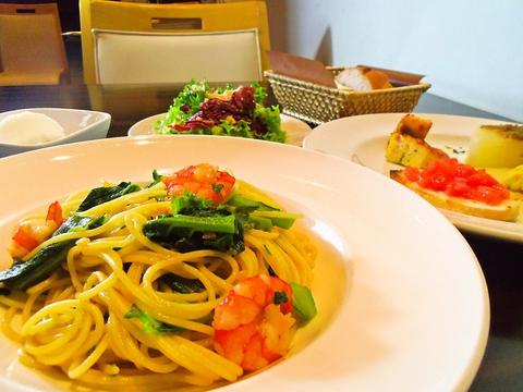 ランチ、ディナーのコースが人気。自家製パン、手作りデザートにこだわるイタリアン。