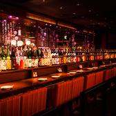 ●カウンター ●棚には厳選されたお酒がずらり☆落ち着いた大人の空間。■全6席