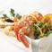 料理メニュー写真赤海老のカクテル、オレンジ&ライム風味のアグルーミソース