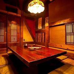 掘りごたつの個室は、とっても落ち着ける自分達だけの空間に★少人数の飲み会にもおすすめの個室です!