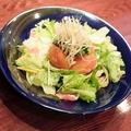 料理メニュー写真トマトのお浸しと葉野菜のオリーブ油和え