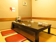 会社帰りの仲間内での飲み会、接待、ご家族のお食事などにご利用頂ける4名様完全個室♪