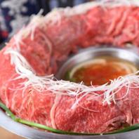 黒毛和牛や栗豚の肉炊き鍋付き宴会を3500円~ご用意