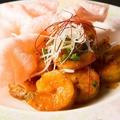 料理メニュー写真自家製ソースの海老チリ