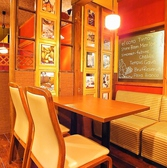 2階のカジュアルテーブル&ベンチ席