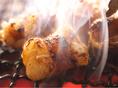 丸腸ブームの火付け役!丁寧に時間をかけて下処理を施した和牛の丸腸は臭みもなく、七輪で焼いて旨味が凝縮され、味わい深く、ぷるっぷるの食感がたまらない逸品です。