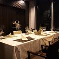 大切なお客様の接待や会食に最適な完全個室をご用意しております(6名席x1、8名席x1)