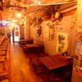 町田 居酒屋 カリブのバルは木のぬくもりと海を想像させるブルーの壁…まるでカリブ海のビーチバル。おしゃれな店内は喜ばれること間違いなし♪町田/海賊/居酒屋/個室/飲み放題/食べ放題/グルメなら◎