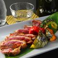 料理メニュー写真鴨ロースのステーキと季節野菜