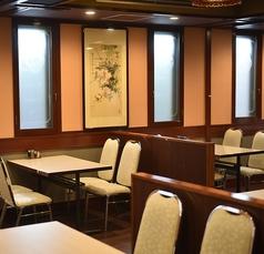 【1階テーブル席】2~4名席×12卓☆新店OPENで店内はとても綺麗で清潔感があります☆1階~4階までの御利用が可能でフロア貸切なども承ります。