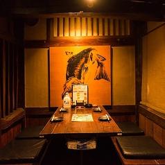 手軽にお食事を楽しみたいときに便利なテーブル席!
