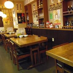 仲間とのお食事や宴会にピッタリのテーブル席