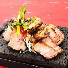 料理メニュー写真黒豚と桜島鶏の西郷盛り