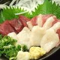 料理メニュー写真熊本直送馬刺し3種盛