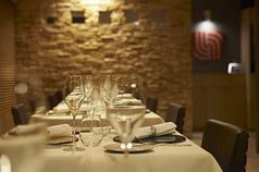 少ない席数のレストランのため手軽なホームパーティのようにご利用いただけます。