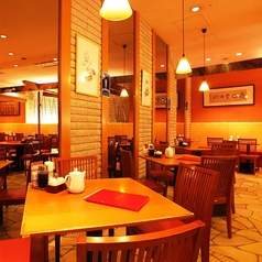 【4名様席】我々、鼎泰豐は今後もお客様のご満足を第一に、今後もクオリティーとサービス向上、安心、安全にこころがけさらなる美味しさを目指します。世界10大レストランに選ばれたレストラン★ 鼎泰豊カレッタ汐留店へ是非一度お越しください。