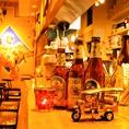 店員さんとの距離も近い、暖かいカウンター席で日本酒や創作タイ料理をどうぞ♪