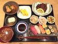 【ランチに】お寿司がついて900円のお得なランチ!仕入れにより寿司ネタや小鉢の内容が変わります。四条烏丸や河原町でのランチに◎