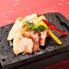 料理メニュー写真黒豚(・カルビ炙り/850円、・ロース炙り/850円、・味噌漬け炙り/850円)