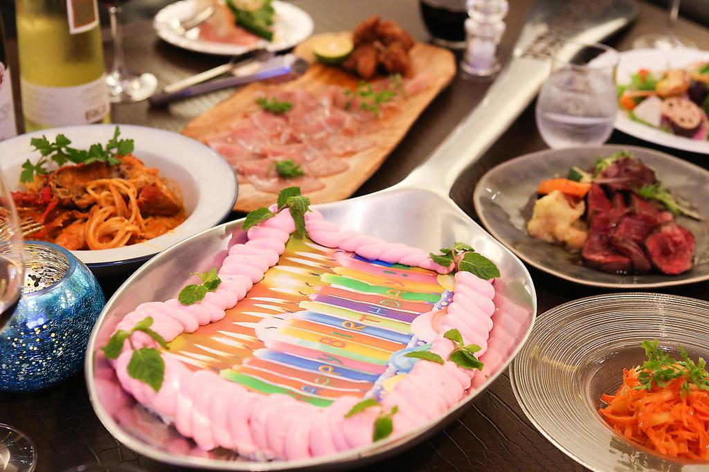 記念日、結婚式2次会に大好評!【巨大スプーンケーキ】主役もゲストも笑顔いっぱいに☆