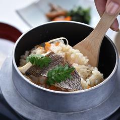 料理メニュー写真瀬戸の鯛釜飯