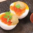 雲丹といくらを半熟卵に贅沢にのっけちゃいました!