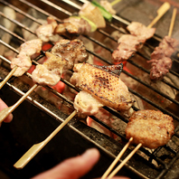 竹とりの地鶏料理は、すべて竹炭で焼きあげてご提供!