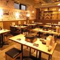 鶏焼き酒場 びーびー 天神大名店の雰囲気1