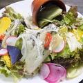 料理メニュー写真植木鉢こぼれちゃったらサラダ