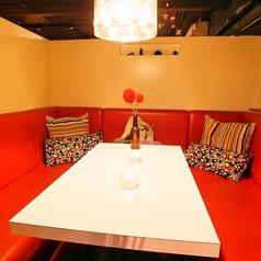 ガパオ食堂 青山の雰囲気1