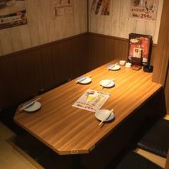 1名様~4名様ご利用いただける広々としたテーブル席です♪お子様連れのお客様も、ゆったりとお過ごしいただけます。お電話にてご予約ください。