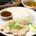 料理メニュー写真K タイのチキンライス「カオマンガイ」セット