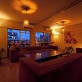 高級インテリアブランド「バルス東京」の高級ソファを使用したゆったりとした高級感あふれるソファ個室は合コンや女子会に大人気♪2席しかない人気の個室の為、要予約。平日や深夜帯21:00以降のご予約は比較的お取りしやすい席です。