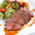 料理メニュー写真牛肉のタリアータ ~サラダ仕立て~