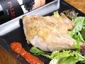 料理メニュー写真フランス産鴨肉のロースト