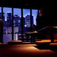 新宿の夜景を一望できる窓際席が人気!ご予約はお早めに!
