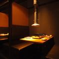 奥のテーブルはいい感じの静かな空間。