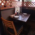 テーブル40席のワンフロアの店内