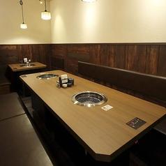 広々とした店内 10名で使用できるテーブル宴会スペース