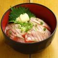 料理メニュー写真炙りサーモン丼