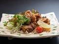 料理メニュー写真鶏の唐揚げ(旨辛甘味)