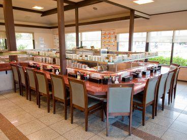 回転寿司 まるくに 青柳店の雰囲気1