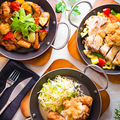 料理メニュー写真ハンバーグ・唐揚げ・麻婆豆腐など多彩なメイン料理ご用意!