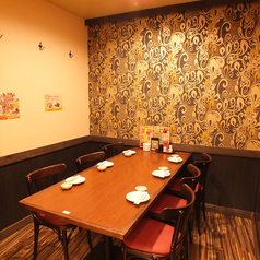 雅な雰囲気のテーブル個室は接待はもちろん、様々なシーンにてご利用いただけます!