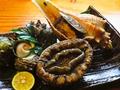 料理メニュー写真貝刺身の盛り合わせ