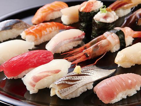 新鮮なネタと、板前さんの確かな技術で握られたお寿司を、滋賀の地酒とともに味わえる